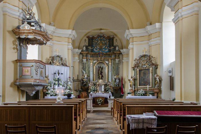 Szent András Templom belső kép